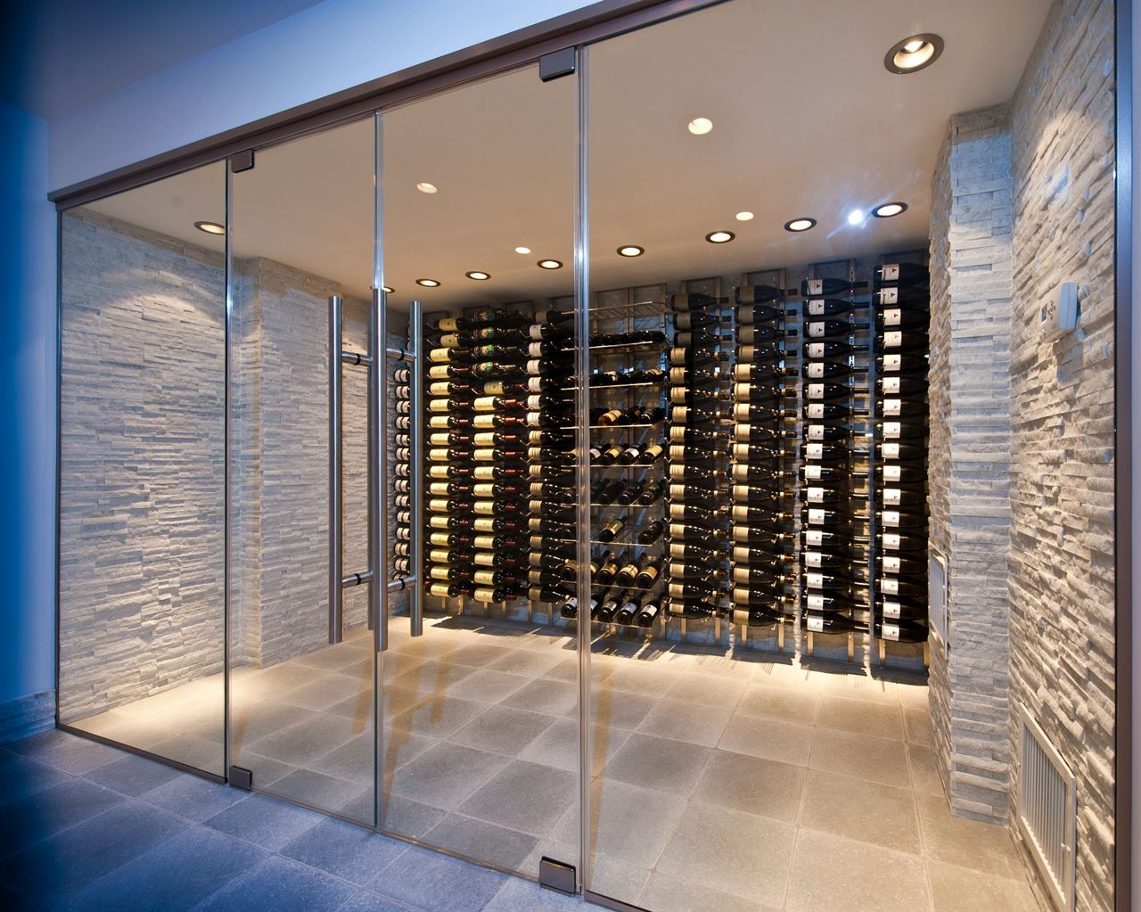 Bottle-Wall-VWine-Racks[1]